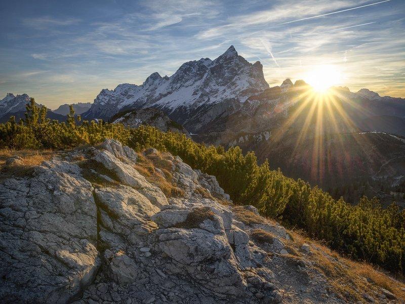 Soleil sur montagne, Alleghe, Italy