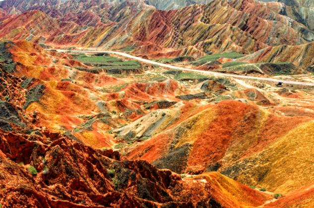 les montagnes colorées de Zhangye Danxia au patrimoine mondial de l'UNESCO