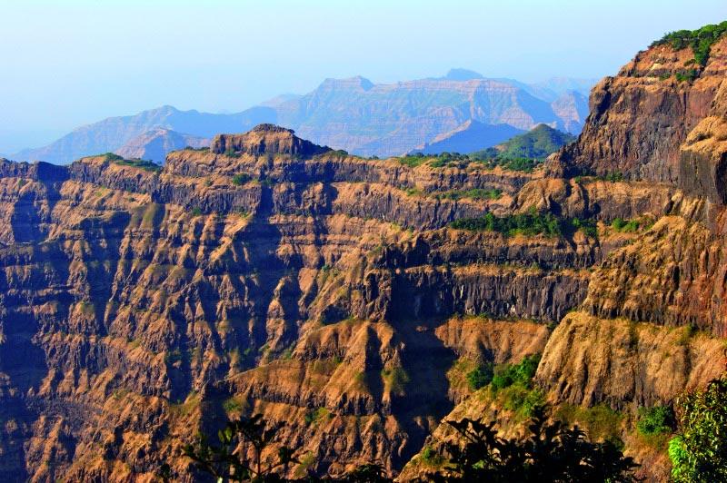 L'empilement des différentes couches de lave dans la province du Deccan en Inde.